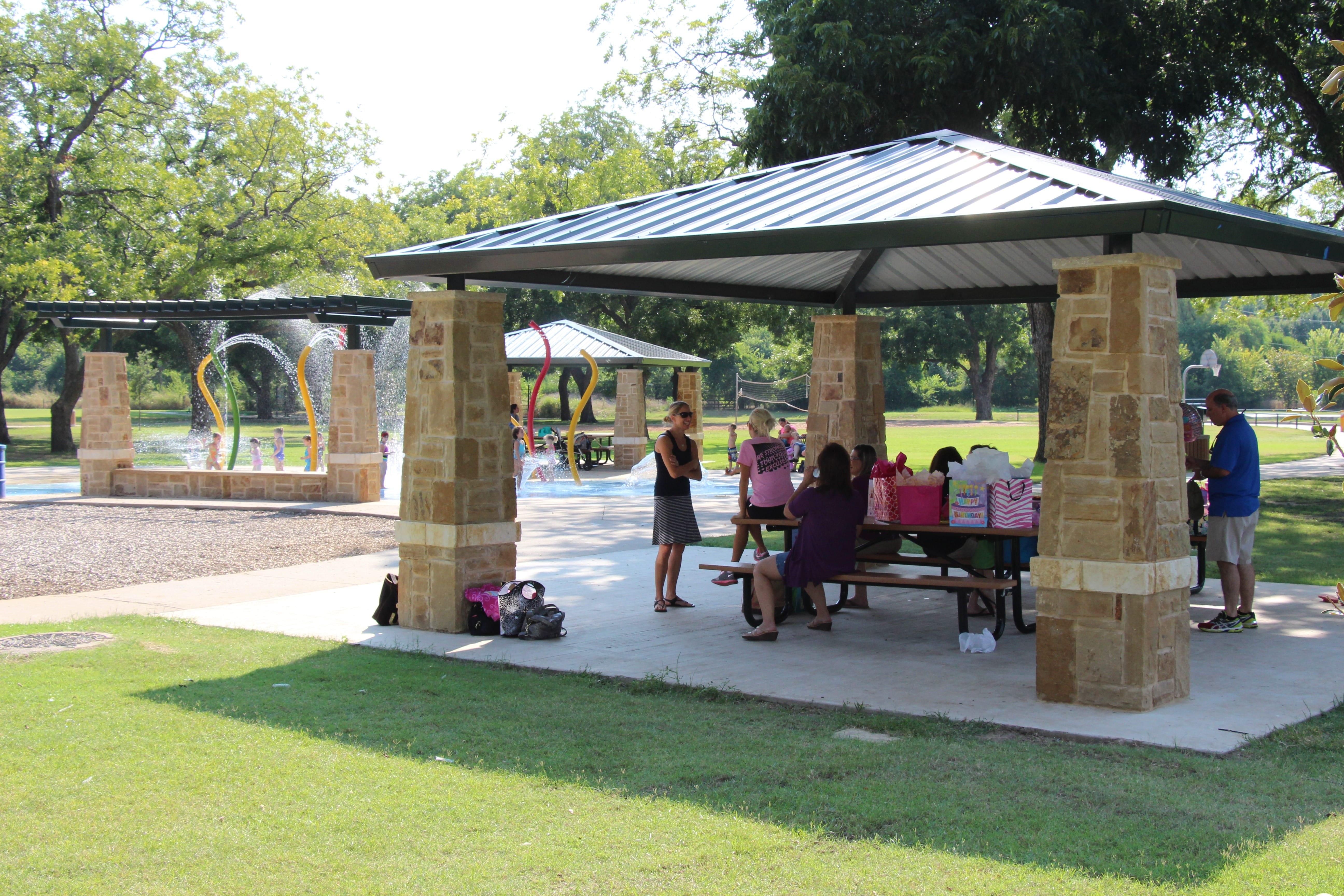 Parr Park Playground Pavilion