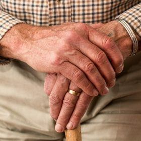 hands 981400 640